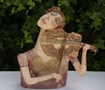 S houslemi